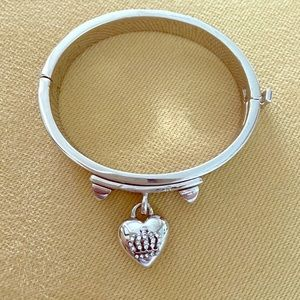 Juicy Contour Silver Bangle with Crown charm